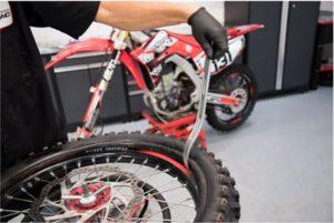 changing a dirt bike tire