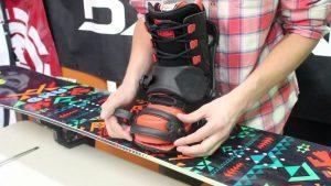 adjusting snowboard bindings